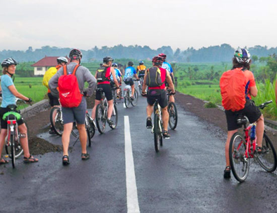 <span>Extreme Cycling Tours</span><br /> Advance<br/> Rides