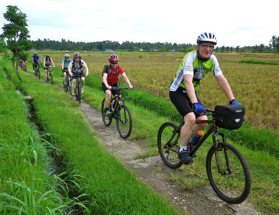 <span>Countryside Cycling Tours</span><br /> Fun <br/>Rides